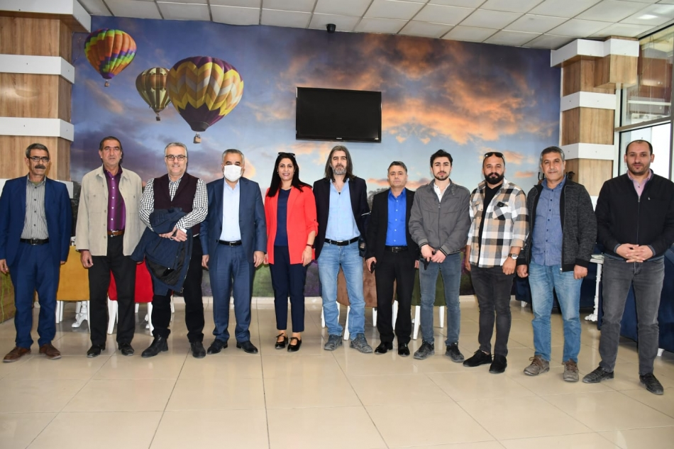 2020/10/1603369030_bld.bsk.gazteciler_kahvalti_(24).jpg